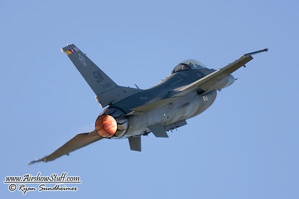 USAF F-16 Fighting Falcon