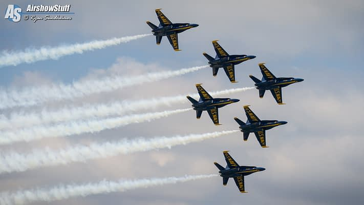 Blue Angels Announce 2018 Officers, Including New Demo Pilots