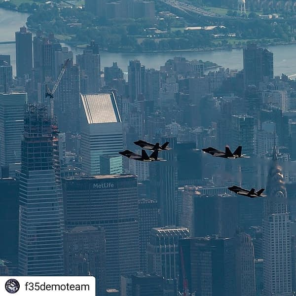F-22 Raptors and F-35 Lightning IIs - New York City Flyover - AirshowStuff