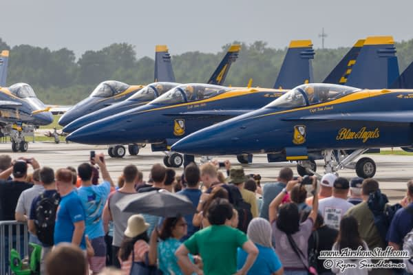 The Blue Angels And Thunderbirds Will Wrap Up Their 2016 Airshow Seasons This Weekend