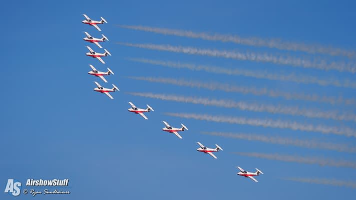 Video Highlight: Canadian Snowbirds Arrive At EAA AirVenture Oshkosh 2016