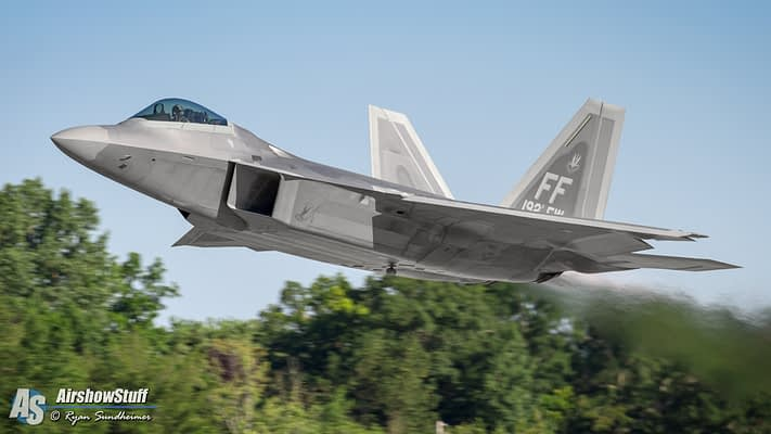 F-22 Raptor Demo Team Going International Again In 2016