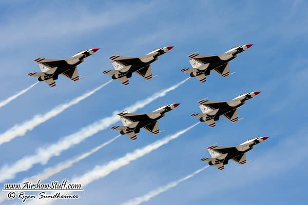 [UPDATED] Thunder Over Louisville Announces Lineup – USAF Thunderbirds and Super Hornet No Longer Performing