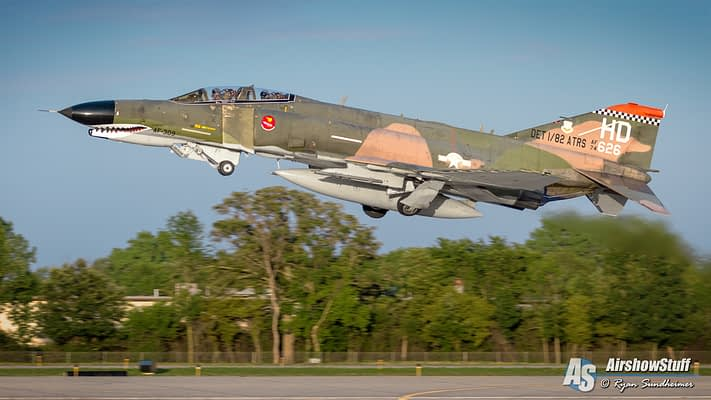 Mighty F-4 Phantoms To Roar Into EAA AirVenture Oshkosh 2016