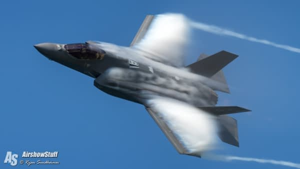 US AIr Force F-35 Lighting II - AirshowStuff