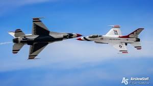 USAF Thunderbirds Opposing Pass - Battle Creek Field of Flight Airshow and Balloon Festival 2016