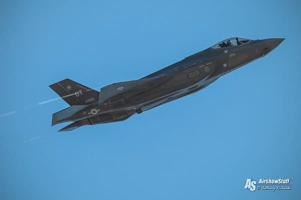 EAA Announces F-35 Lightning II And F-100 Super Sabre Appearances At AirVenture 2015
