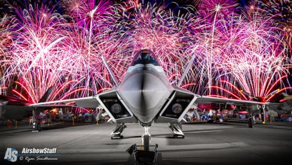 F-22 Raptor and Fireworks -  EAA AirVenture Oshkosh - AirshowStuff