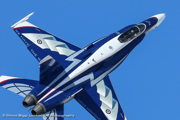 "2018 CF-18 Demonstration Jet Debuts With Beautiful ""NORAD 60"" Paint Scheme"