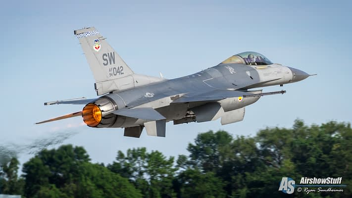 USAF F-16 Fighting Falcon Demo Team 2019 Airshow Schedule Released
