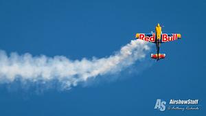 Pete McLeod (Red Bull Air Racer) - Lethbridge International Air Show 2017