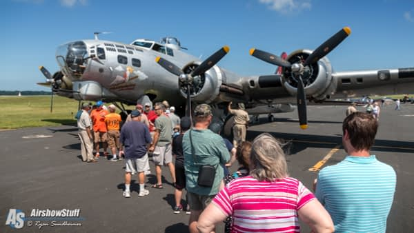 "B-17 Flying Fortress ""Aluminum Overcast"" - Heavy Bombers Weekend 2015"