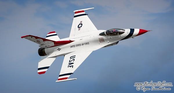 USAF Thunderbirds F-16 Fighting Falcon