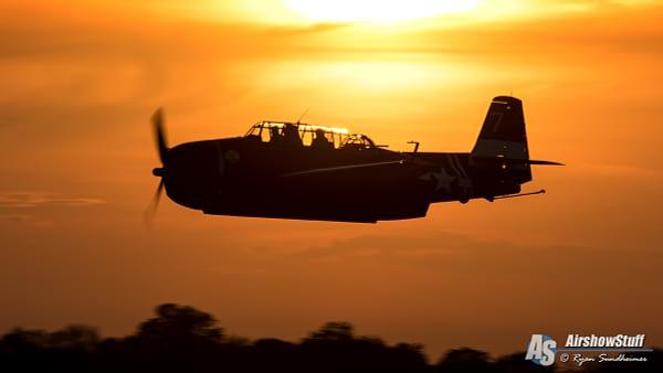 TBM Avenger at Sunset - AirshowStuff