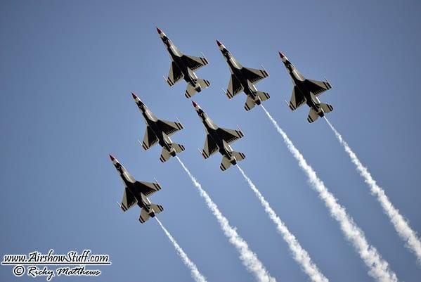 USAF Thunderbirds Announce New Officers for 2018 Show Season