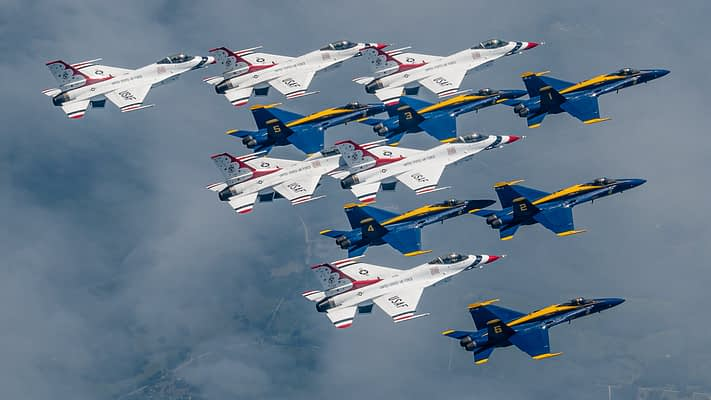 Check Out These Incredible Aerial Images Of The Blue Angels And Thunderbirds Flying Together Over New York City