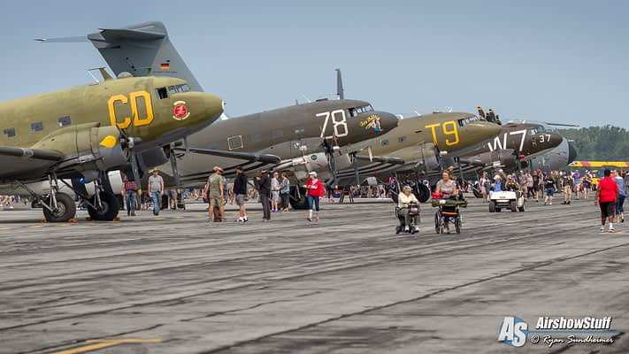 New Photo Album – Thunder Over Michigan 2017