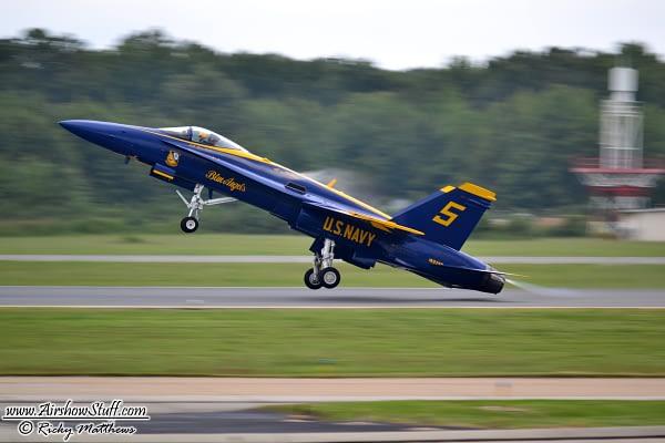 US Navy Blue Angels F-18 Hornet - AirshowStuff