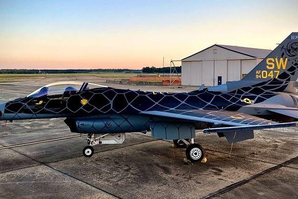 F-16 Fighting Falcon - Viper Demo - Venom Paint Scheme - AirshowStuff