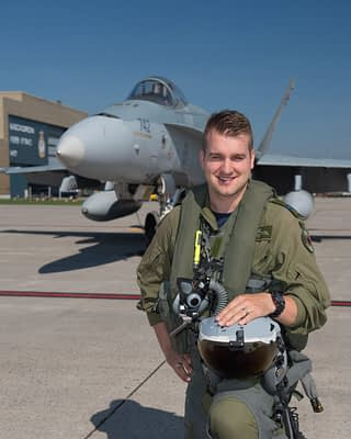 RCAF Announces 2018 CF-18 Hornet Demo Team Pilot And Theme