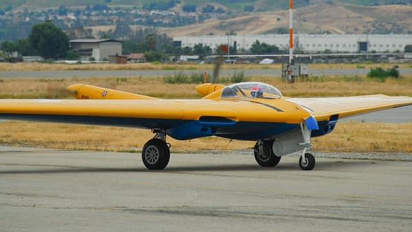 David Vopat in N9M Flying Wing - Airshowstuff