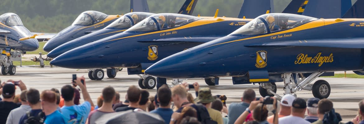 US Navy Blue Angels and Crowd - AirshowStuff