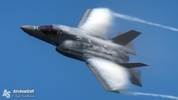 US AIr Force F-35 Lighting II - AirshowStuff