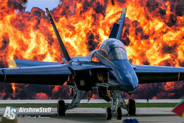 US Navy Blue Angels Wall of Fire - Rockford Airfest 2015