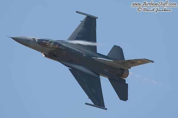 F-16 Fighting Falcon Demonstration Team - AirshowStuff