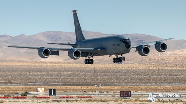 KC-135 Stratotanker - AirshowStuff