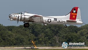 """B-17 Flying Fortress """"Aluminum Overcast"""" - Heavy Bombers Weekend 2015"""