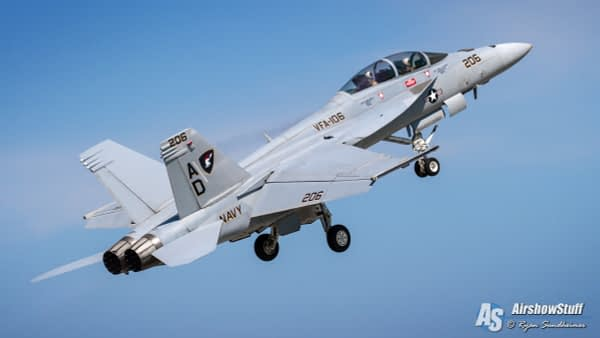 US Navy F/A-18 Super Hornet Demonstration Team - AirshowStuff