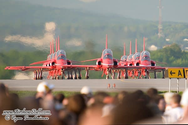 Royal Air Force Red Arrows - AirshowStuff