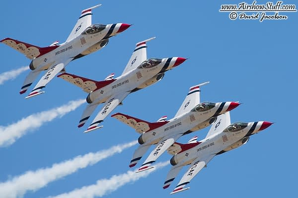 US Air Force Thunderbirds - AirshowStuff