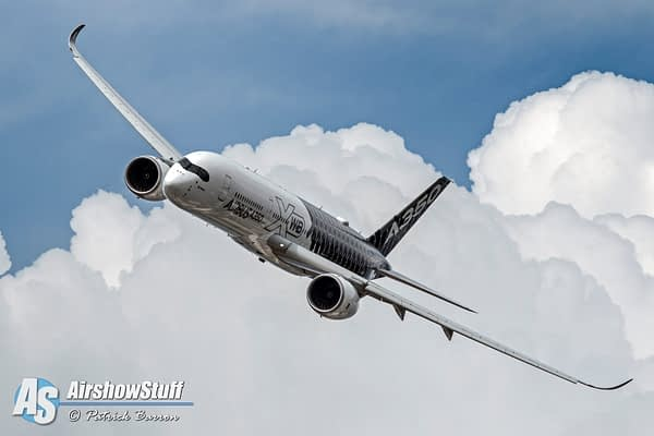 Airbus A350 Wows Crowd at Oshkosh