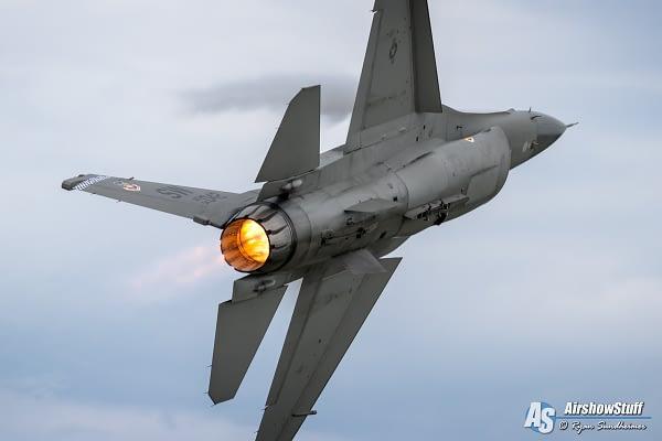 USAF F-16 Fighting Falcon - EAA AirVenture Oshkosh 2016