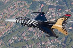 SoloTurk F-16 Fighting Falcon