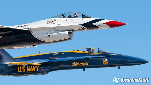 US Air Force Thunderbirds and US Navy Blue Angels - AirshowStuff