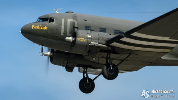 "Douglas C-47 Skytrain/Dakota ""Placid Lassie"" - AirshowStuff"