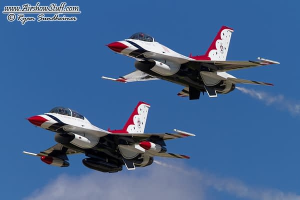 USAF Thunderbirds 7 and 8 at EAA AirVenture Oshkosh 2010