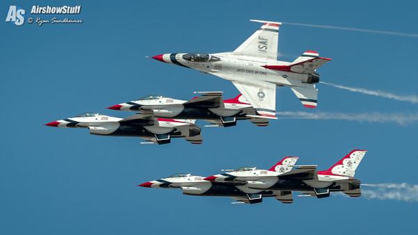 USAF Thunderbirds - Cleveland National Airshow 2017