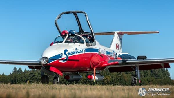 Canadian Forces Snowbirds - CT-114 Tutor - AirshowStuff