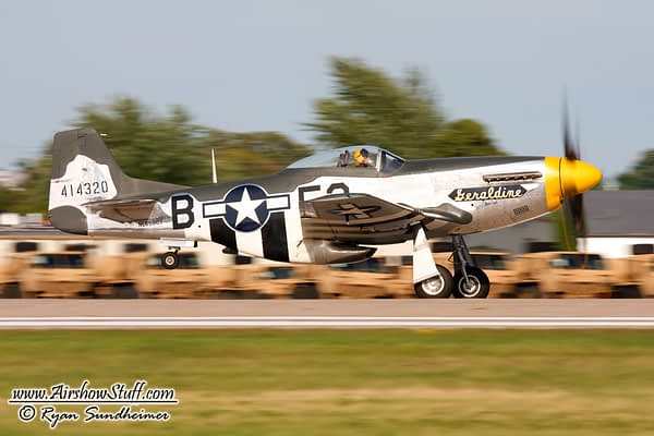 "P-51 Mustang ""Geraldine"" - AirshowStuff"