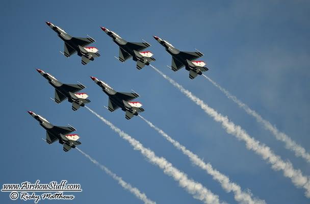USAF Thunderbirds Cancel Appearances After Fatal Accident