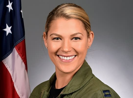 First Female F-16 Demo Team Commander Suddenly Removed From Team