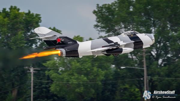 MiG-17 Fresco - Afterburner Takeoff