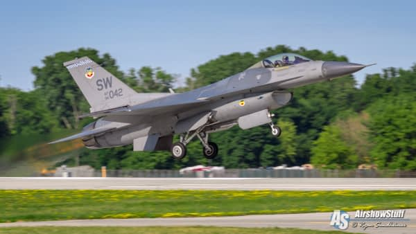 US Air Force F-16 Fighting Falcon Demonstration Team